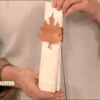 Good Thing: Holiday Leaf-Shaped Napkin Rings