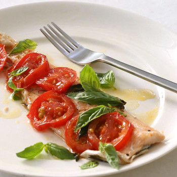 tomatoes_and_basil_trout_baked_in_parchment.jpg