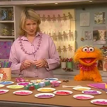 Paper and Straw Necklaces with Sesame Street's Zoe