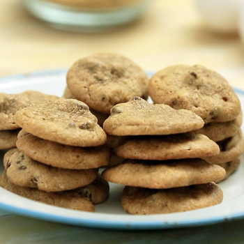 The 5-Ingredient Chocolate Chip Cookie Recipe