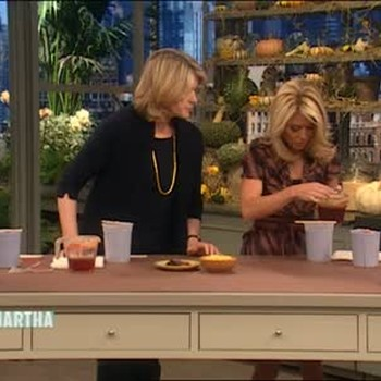 Inserting Wick in a Fall Candle with Kelly Ripa