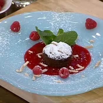 Mini Flourless Chocolate Cakes for Ladies' Night