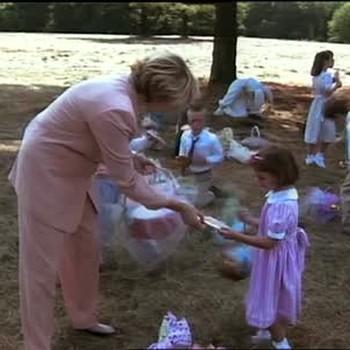 Martha Stewart Takes Children on Easter Egg Hunt