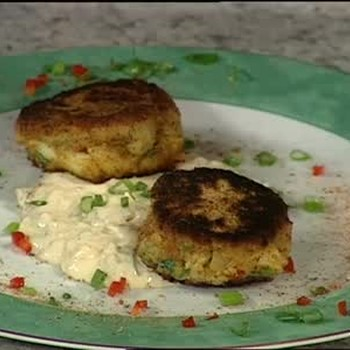 New Orleans Crab Cakes and Chipotle Tartar Sauce