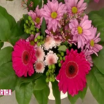 Spruce Up Your Budget Bouquet  for Valentine's Day