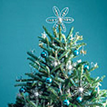 video good things how to string lights on a christmas tree martha stewart - How To String Lights On A Christmas Tree