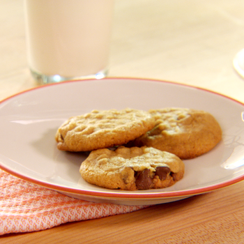 Gluten-Free Peanut Butter and Chocolate Chip Cookie Recipe