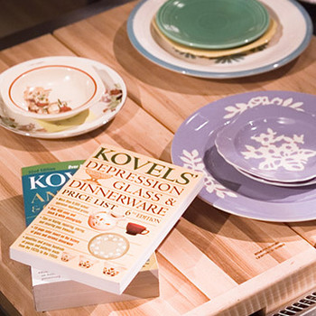 Dinnerware with the Kovels