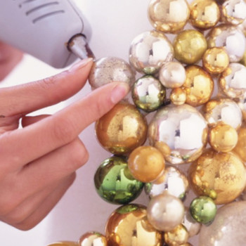 Good Things: Holiday Centerpieces for the Holiday Table at Christmastime