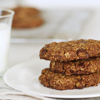Pecan, Oat and Dark-Chocolate-Chunk Cookies Video