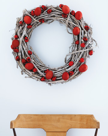 Red Eggs Wreath