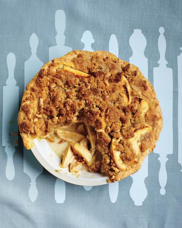 Apple–Sour Cream Crumb Pie