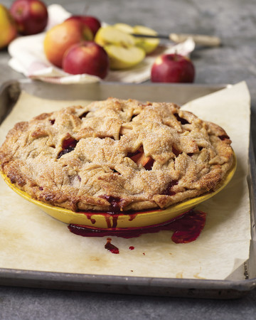 """Apple-Blackberry Pie with """"Fall Leaves"""""""