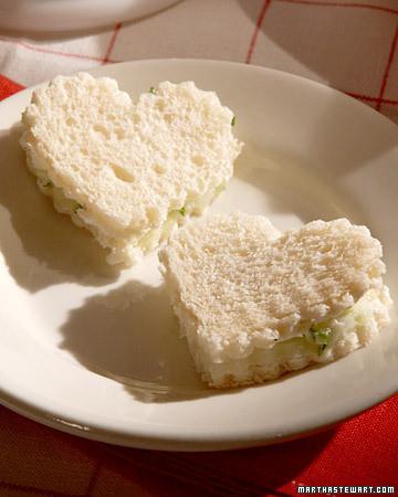 Cucumber-Turkey Mini Sandwiches