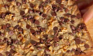 Chocolate Chip-Walnut Blondies