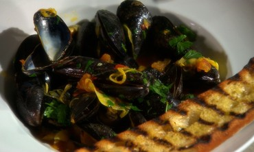 Steaming Mussels