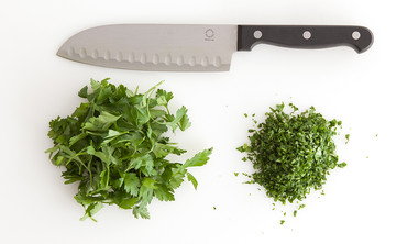 How to Chop Herbs