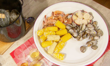 Video stove top clambake recipe martha stewart watch more videos from all american food videos northeast forumfinder Choice Image