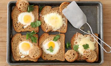 Baked Bull's-Eye Eggs