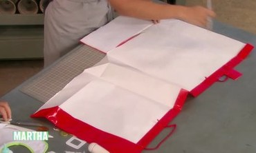 Video: Superhero Costume Made from Dollar Store Items