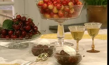 How to Poach Cherries