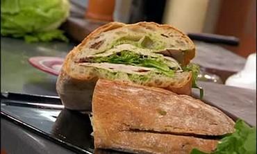 Pesto Turkey Sandwich