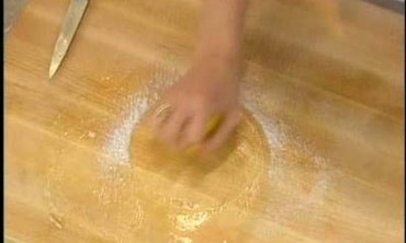Tip: Cleaning a Cutting Board