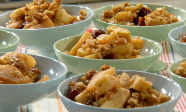 Crumbly Apple Oat Crisp