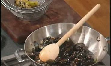 Asian Mussels with Herbs