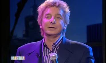 Barry Manilow Performs