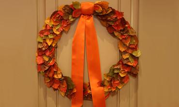 DIY Autumnal Leaf Wreath