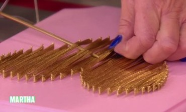 Video Valentine S Day String Art Heart Craft With Joan Rivers