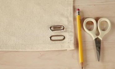How to Set an Oval Eyelet