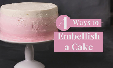 4 Ways to Embellish a Cake