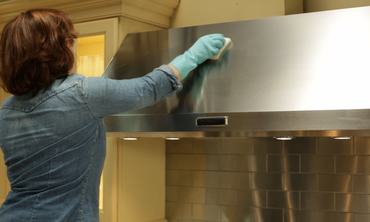 How to Clean the Range Hood