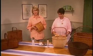 How to Clean Wooden Baskets