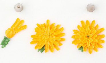 How to Pipe a Chrysanthemum