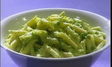 Pasta with Almond Pea Pesto