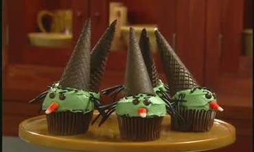 Baking Wicked Witch Cupcakes