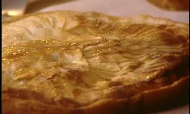 How to Make Apple Pizza Tart