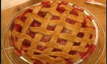 How To: Rhubarb Raspberry Pie