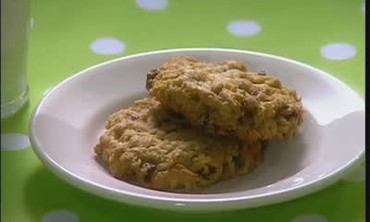 Jumbo Oatmeal Raisin Cookies