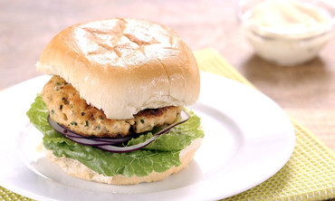 How to Make Salmon-Ginger Burgers