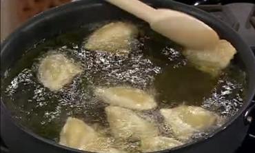 How to Make Vegetable Samosas