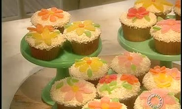 How To: Spring Flower Cupcakes