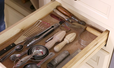 Organize Your Cabinet Space · Now Playing