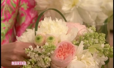 How to Make a Flower Centerpiece