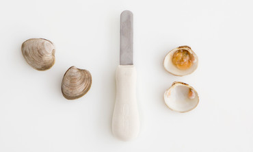 How to Shuck a Hard-Shell Clam
