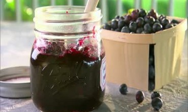How to Make Blueberry Preserves