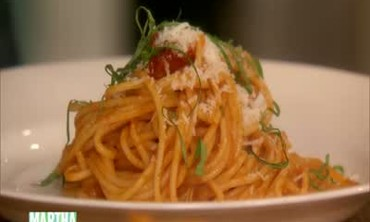 Spaghetti with Hot Tomato Sauce